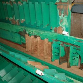 Thumbs Holzwerk 02 in repariertes Holzwerk einer Veranda